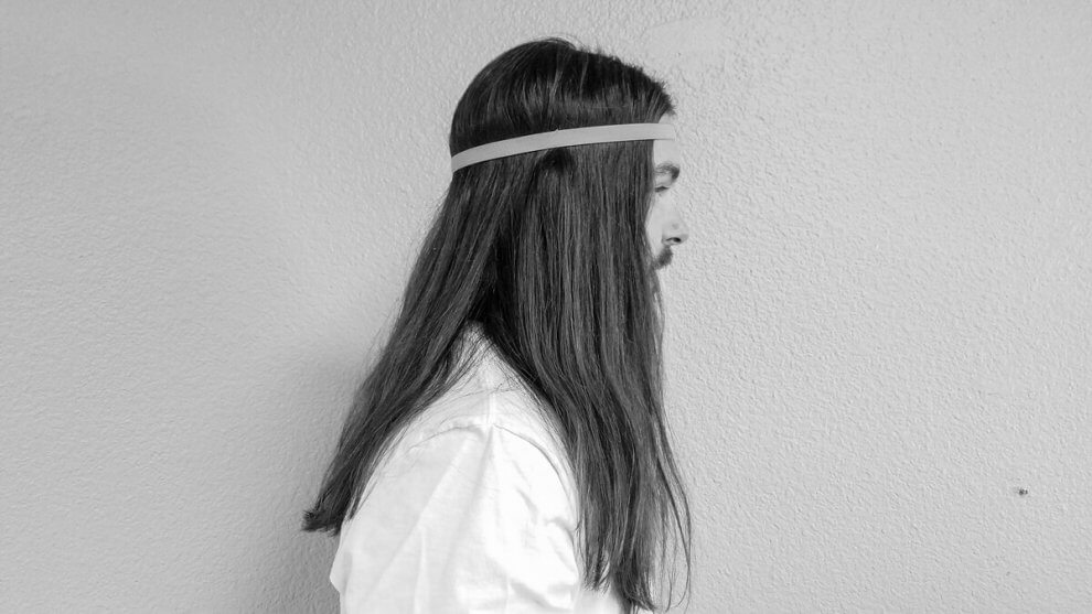 8dadb5ca537 7 Ways to Wear Long Hair with a Headband - For Men