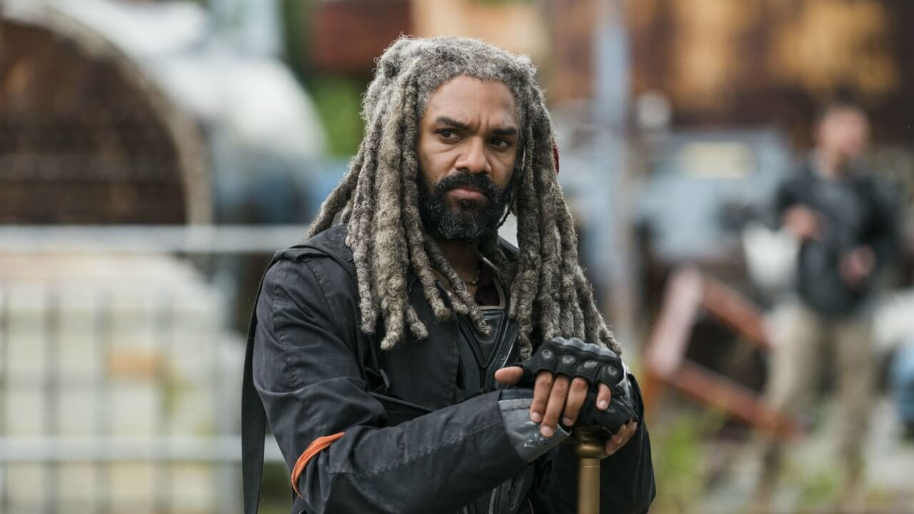 Halloween Costumes For Men With Long Hair - King Ezekiel