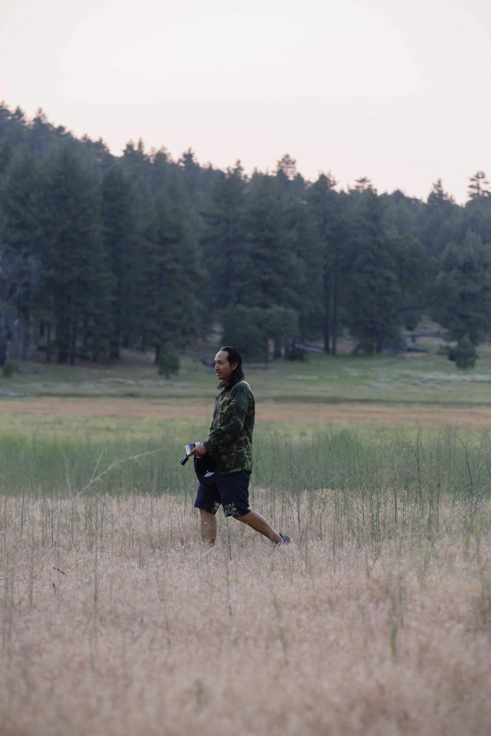 El Garvinski on the camping trip photo shoot